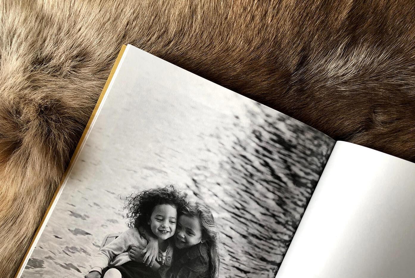 Innocence - Monochrome - Album photo personnalisé - Noir & Blanc